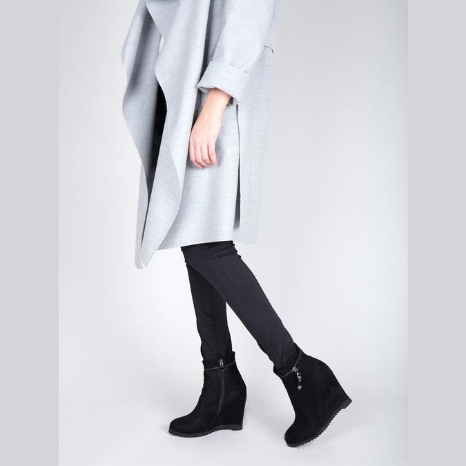 Dámská kotníčková obuv na klínovém podpatku bata, černá, 799-6631 - 18