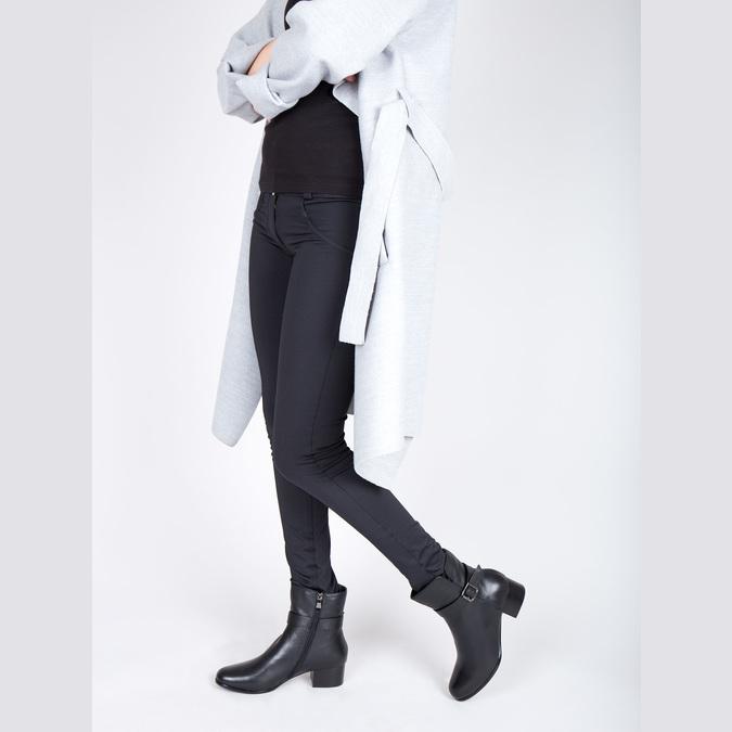 Kožené kotníčkové kozačky na nízkém podpatku bata, černá, 694-6630 - 18