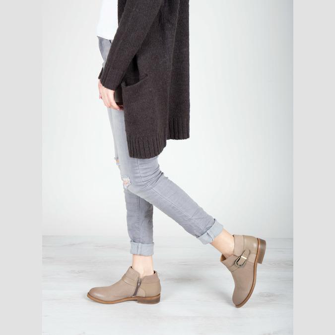 Kožená kotníčková obuv se sponou bata, hnědá, 596-3634 - 18
