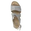 Kožené sandály na klínku s perforací bata, šedá, 666-2606 - 19
