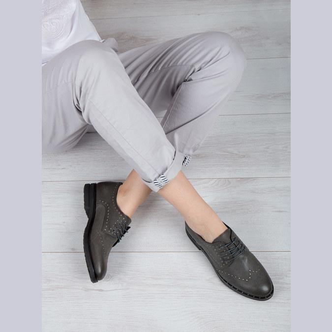 Kožené polobotky s kovovými cvoky bata, šedá, 526-9643 - 19