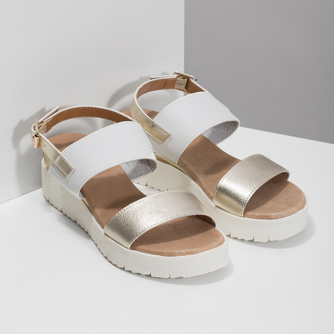 Dámské sandály se zlatými pásky na flatformě bata, bílá, 661-1614 - 26