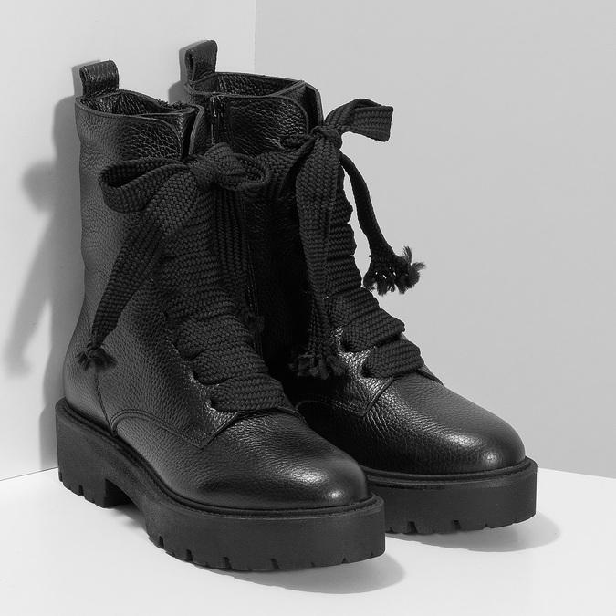 Kožené dámské kozačky na masivní podešvi bata, černá, 596-6610 - 26
