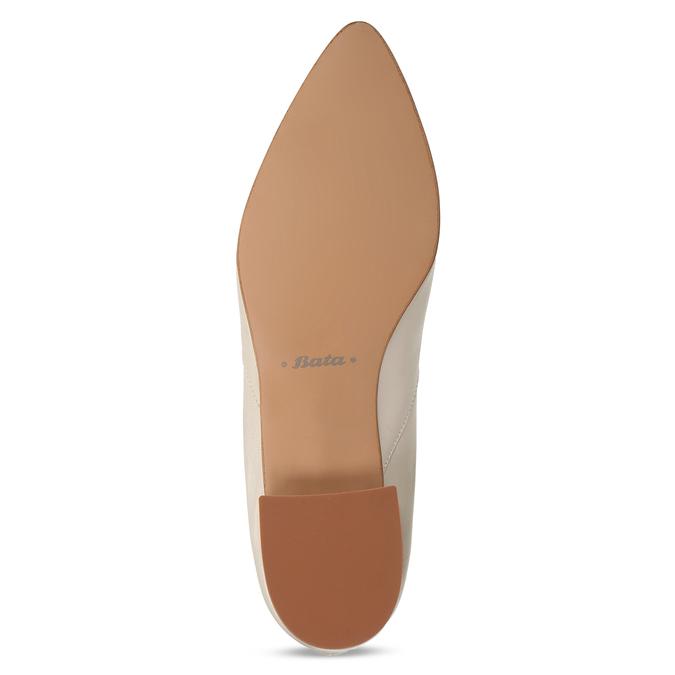 Béžové kožené lodičky na nízkém podpatku bata, béžová, 524-8623 - 18